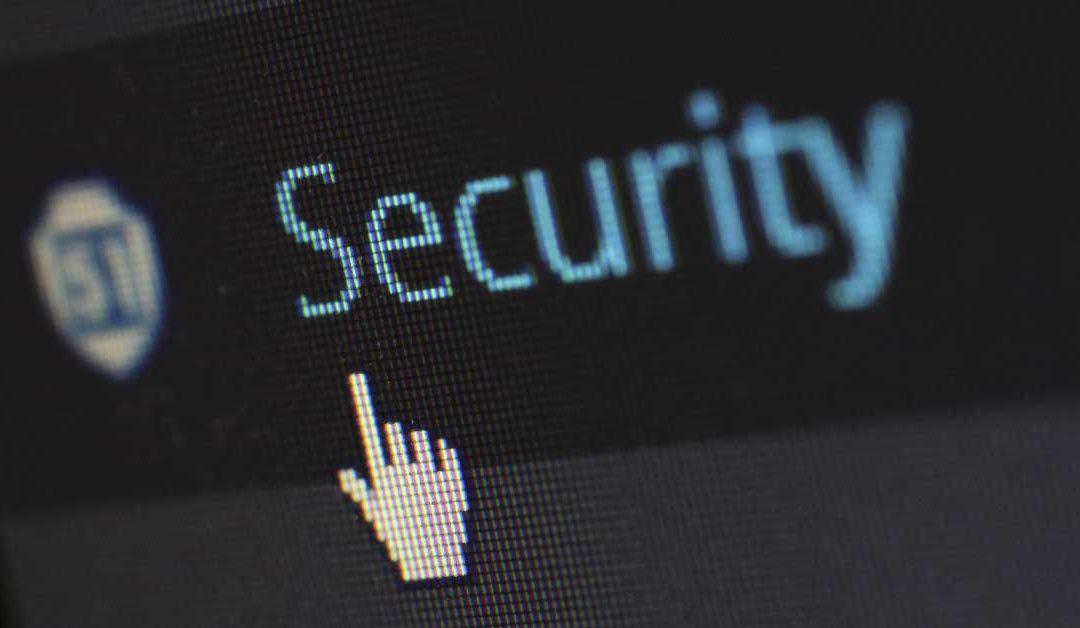 Nahaufnahme Bildschirm Maus klickt auf Security Service